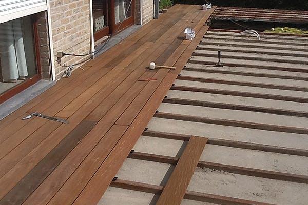 aanleg-van-houten-terras-