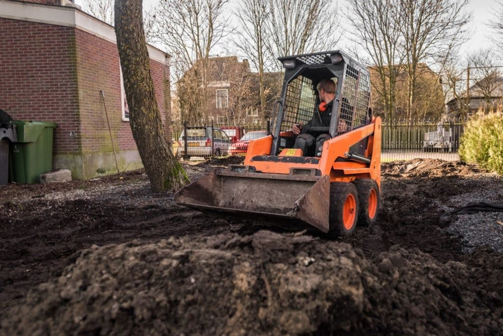 Zelf Tuin Leeghalen : Tuin afgraven kosten berekenen? hovenier gigant haalt uw tuin leeg!